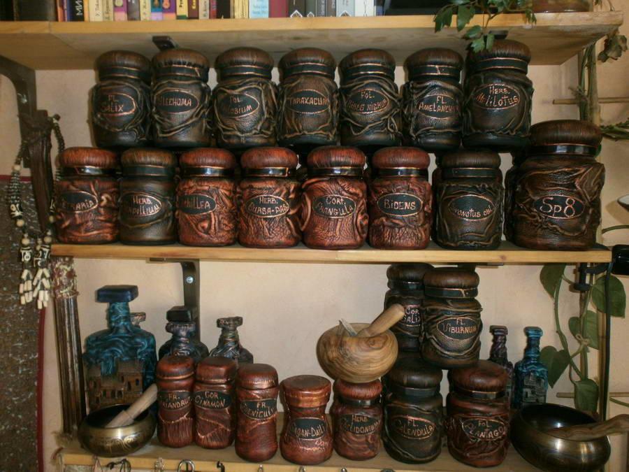 Наиболее популярным вариантом для украшения интерьера являются кофейные жестяные банки в стиле шебби