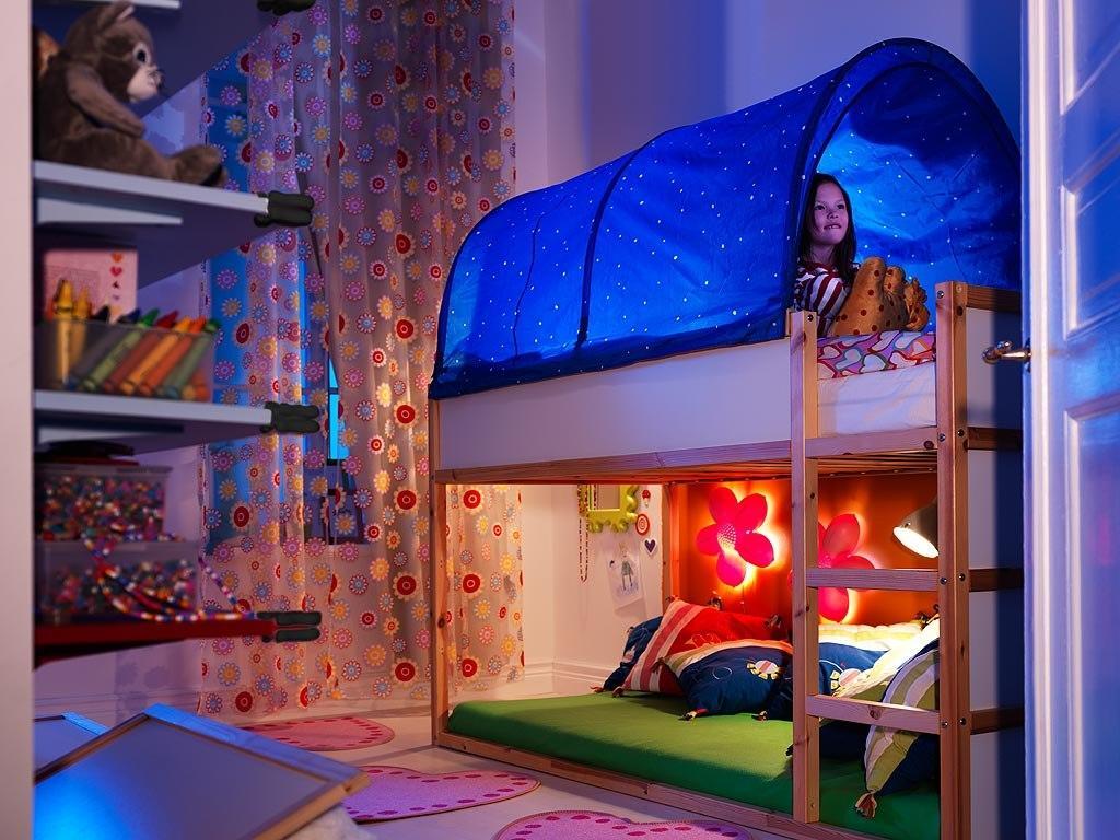 Яркая и удобная кровать-чердак Икеа обязательно понравится вашему ребенку