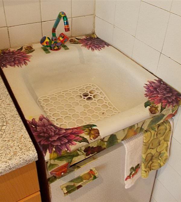Декор кухонной раковины в технике декупаж сделает ее оригинальной