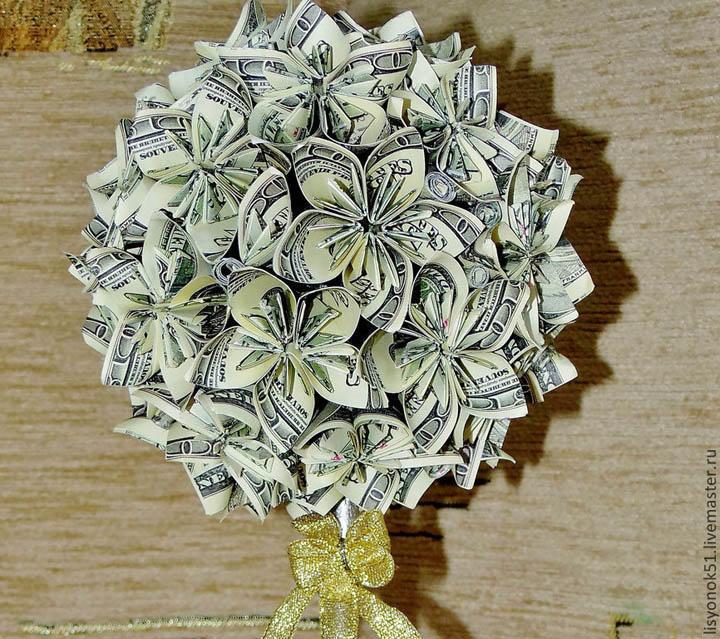 Топиарий из денежных купюр внесет изюминку в интерьер любого дома