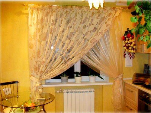 Полиэстер – наиболее распространенная ткань для пошива кухонных штор