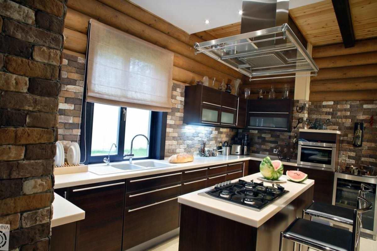 Планировка кухни в частном доме имеет ряд особенностей