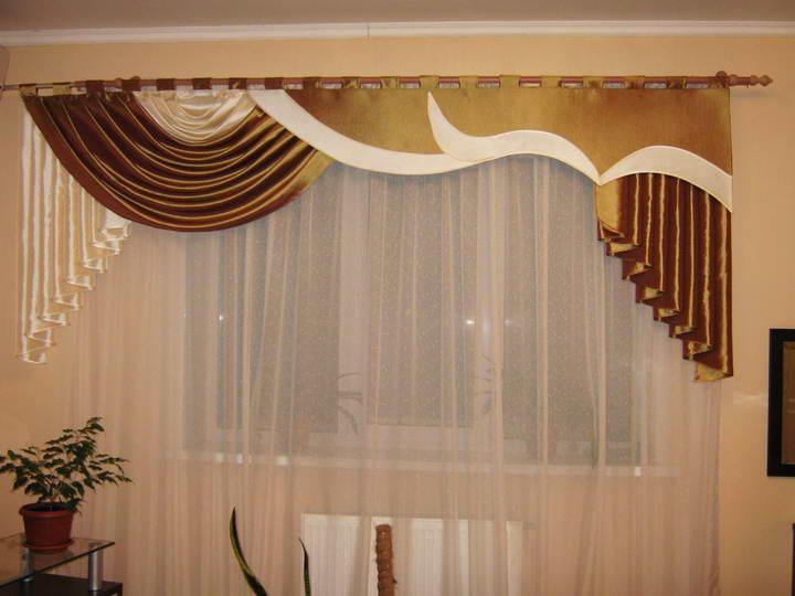 Ламбрекены бандо могут придать богатый вид даже самой обычной комнате