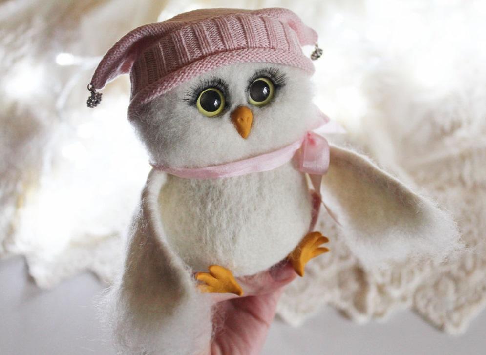 Мериносовая шерсть позволяет придать игрушкам особую индивидуальность и красоту