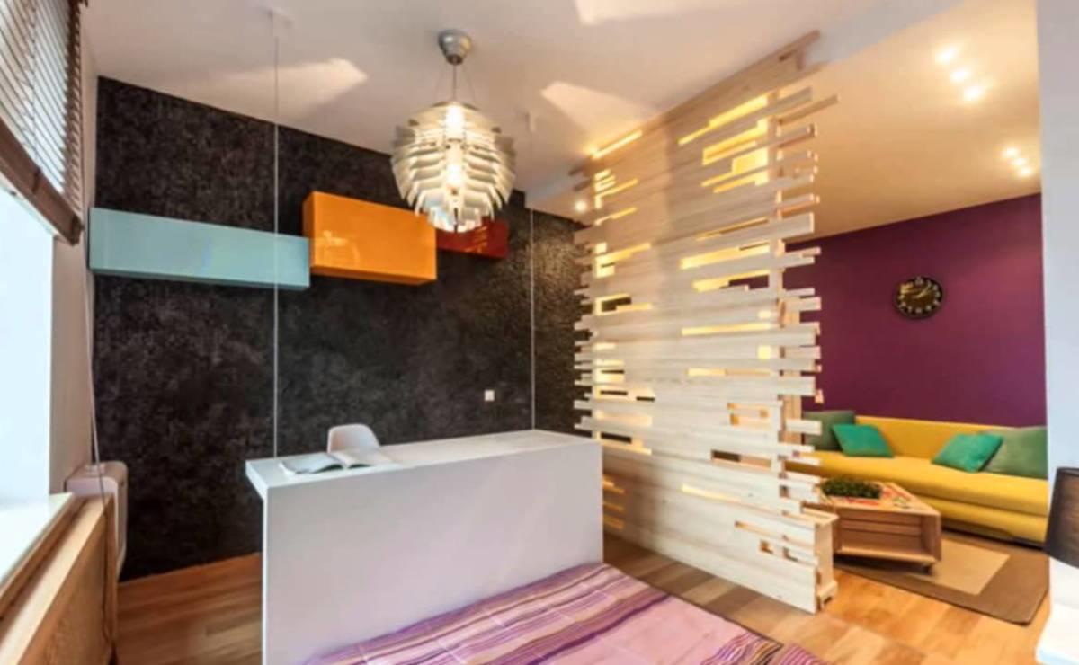 Разграничить пространство вам помогут мебель, модные перегородки или другие предметы декора