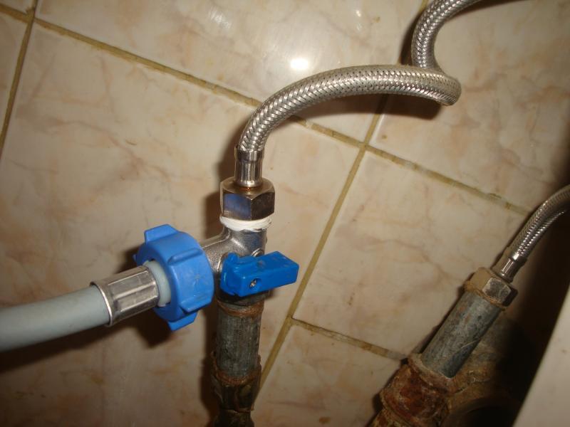 Кран для стиральной машины: тройник для подключения к водопроводу, переключатель воды для стиралки, смеситель