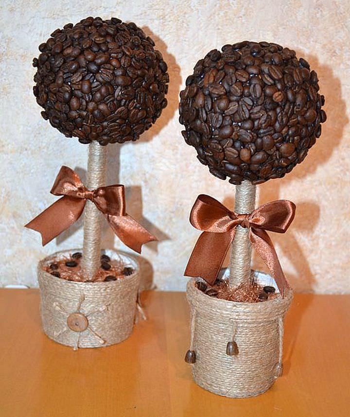Как видите, топиарии из кофе – это те же мастер-классы, как и для других топиариев, только крона делается из зернышек