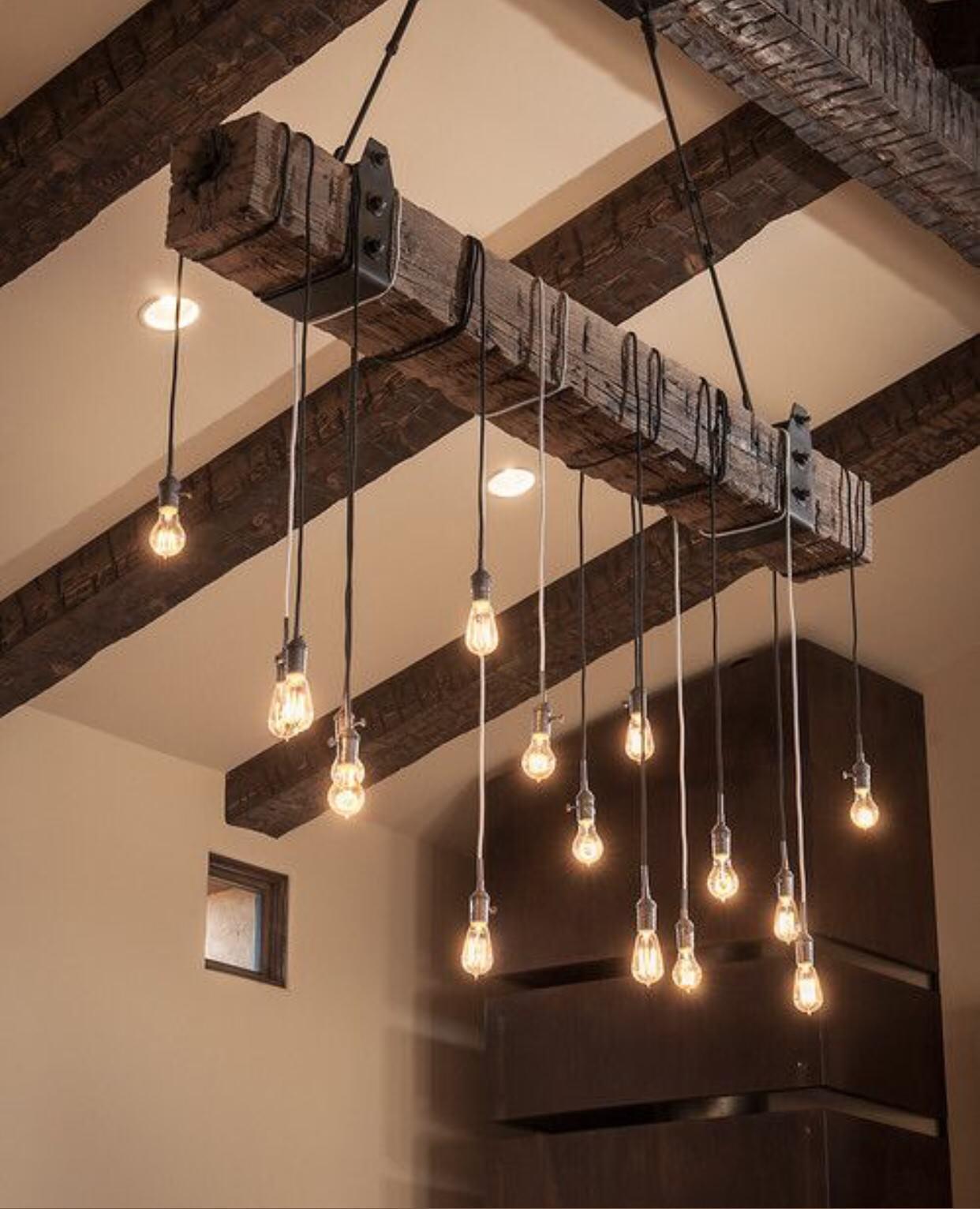 Для оформления интерьера можно использовать как маленькие и простые конструкции, так и большие и экстравагантные