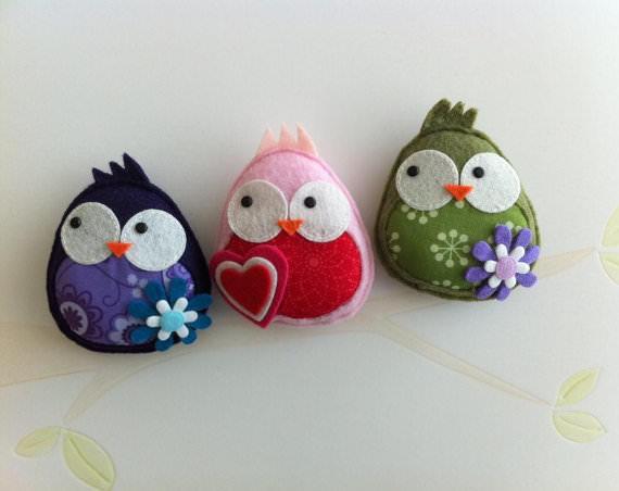 Оригинальные птички, сшитые собственноручно, являются символом домашнего уюта