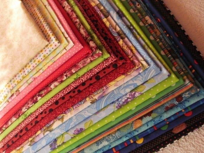 Для лоскутного шиться подходят ткани любого типа