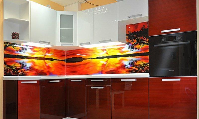 Угловые модульные кухни являются идеальным вариантом для маленького помещения