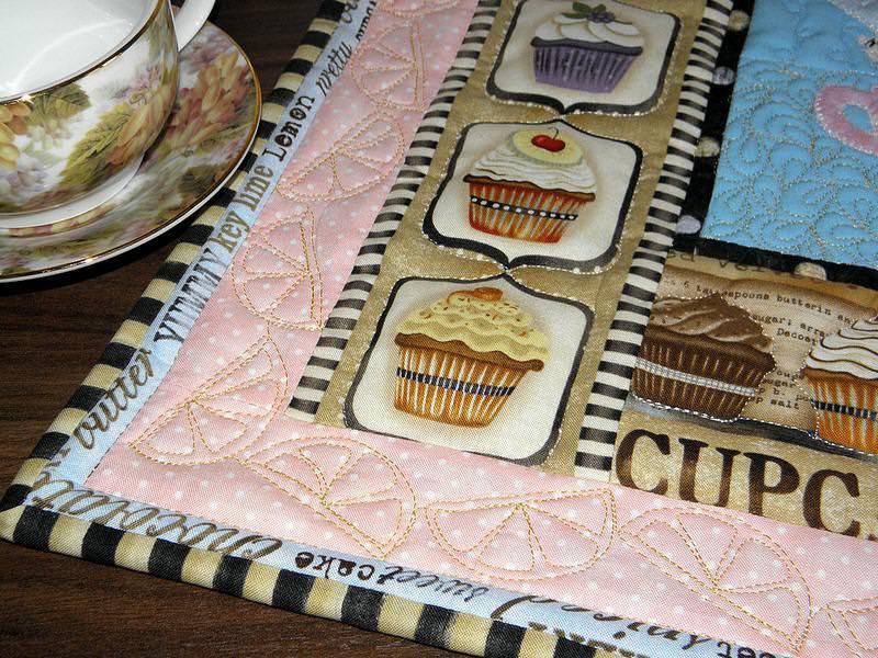 Панно из текстиля можно изготовить разными способами