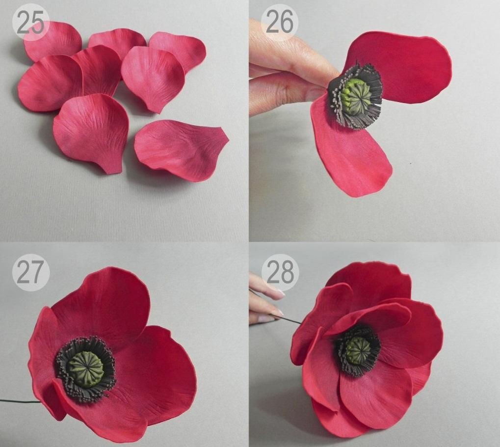 Все необходимые материалы для создания цветов из фоамирана продаются в магазине для рукоделия