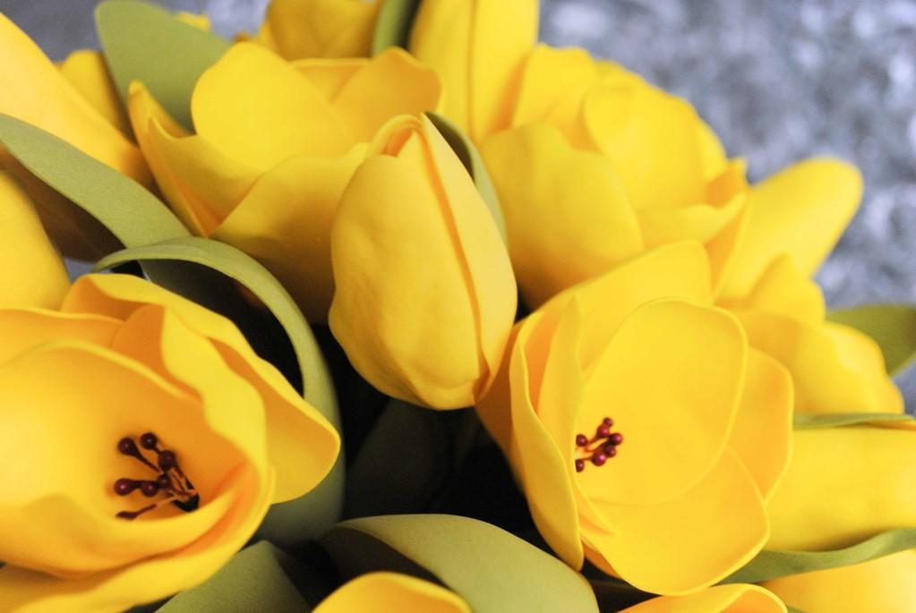 Если вам нужно быстро смастерить красивый тюльпан, тогда можно использовать более простой способ его изготовления