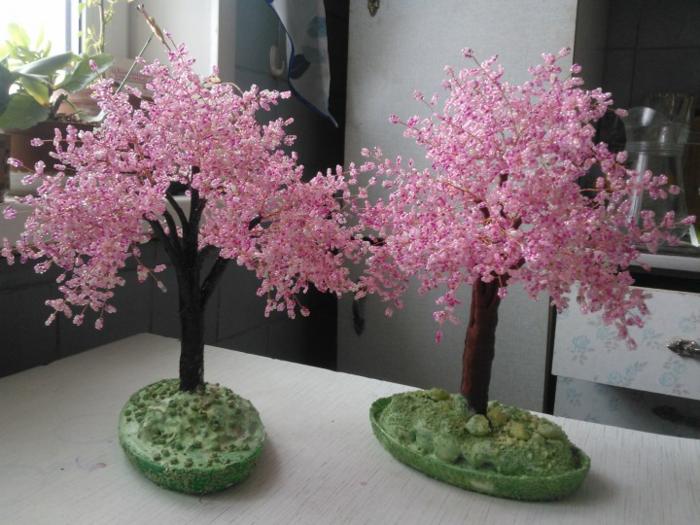 Сакура, сделанная своими руками, станет отличным и креативным подарком
