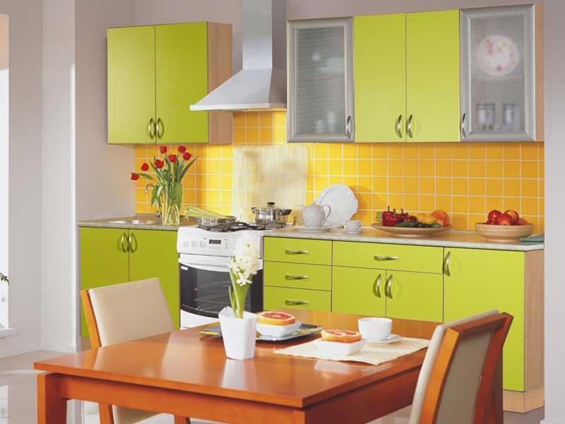Оранжевый цвет возбуждает аппетит, а зеленый действует успокаивающе. Оба эти цвета в комплексе воздействуют на подсознание, побуждая человека к употреблению здоровой пищи