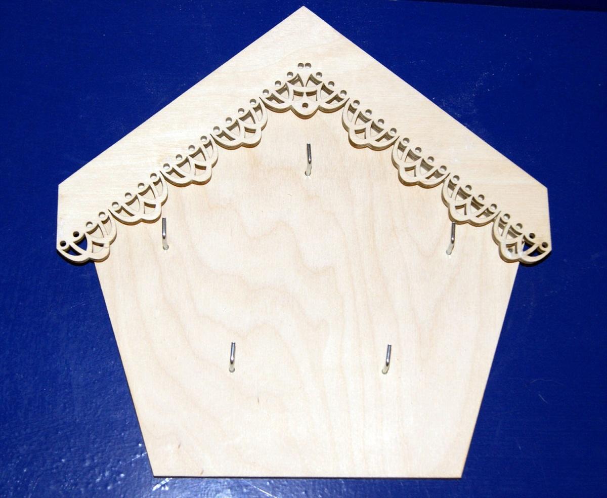 Заготовки для декупажа могут отличаться по форме, размеру и материалу, из которого они выполнены