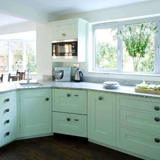 Очень важное требование в кухне шейкер - естественное освещение. Ему следует уделить большое внимание