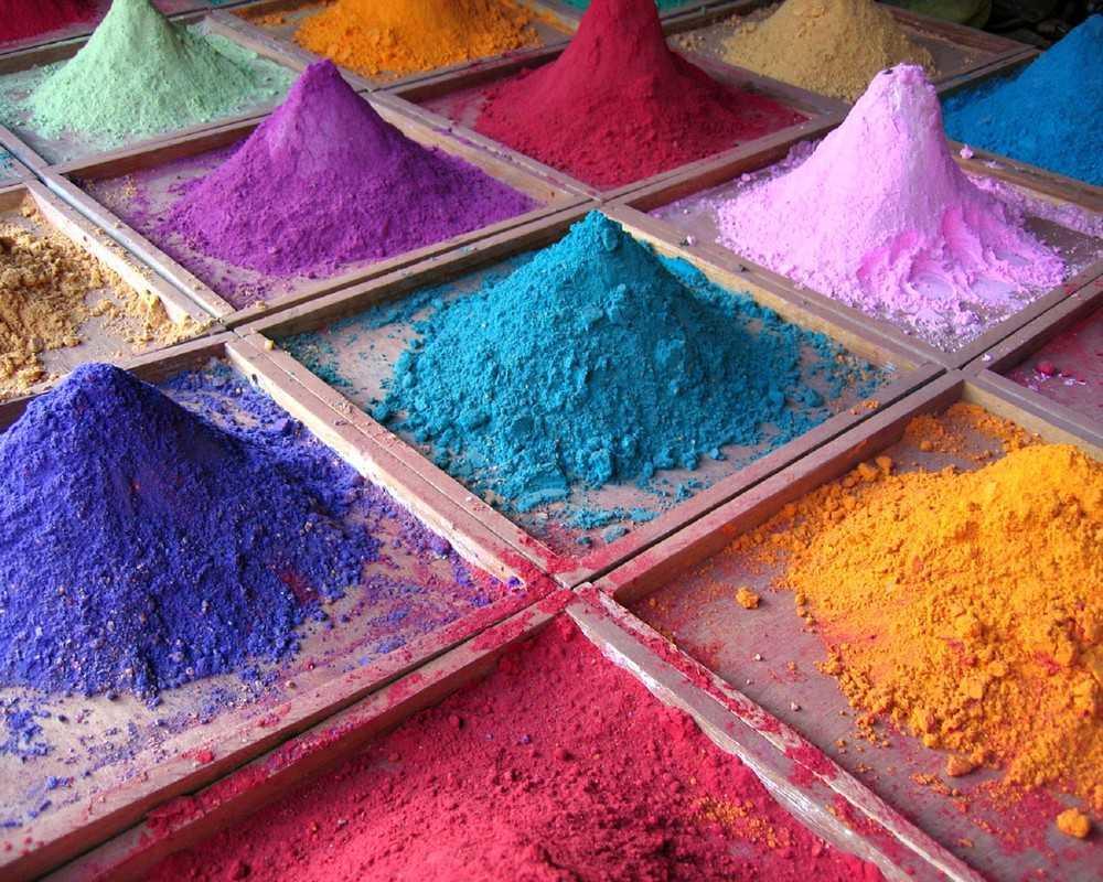 Краситель тоже приобретите готовый, но тот состав, что предназначен для добавления в краски на водной основе.