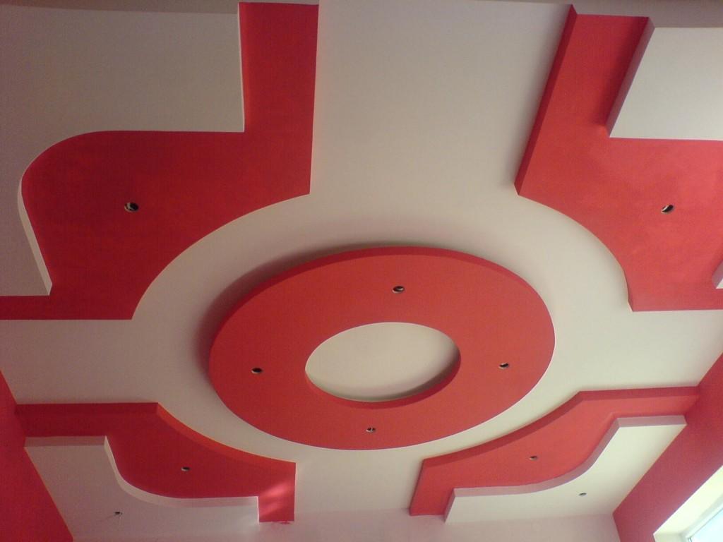 Фигуры на потолке - интересное решение, а если у вас есть художественный талант, то можно создать и вовсе уникальный шедевр