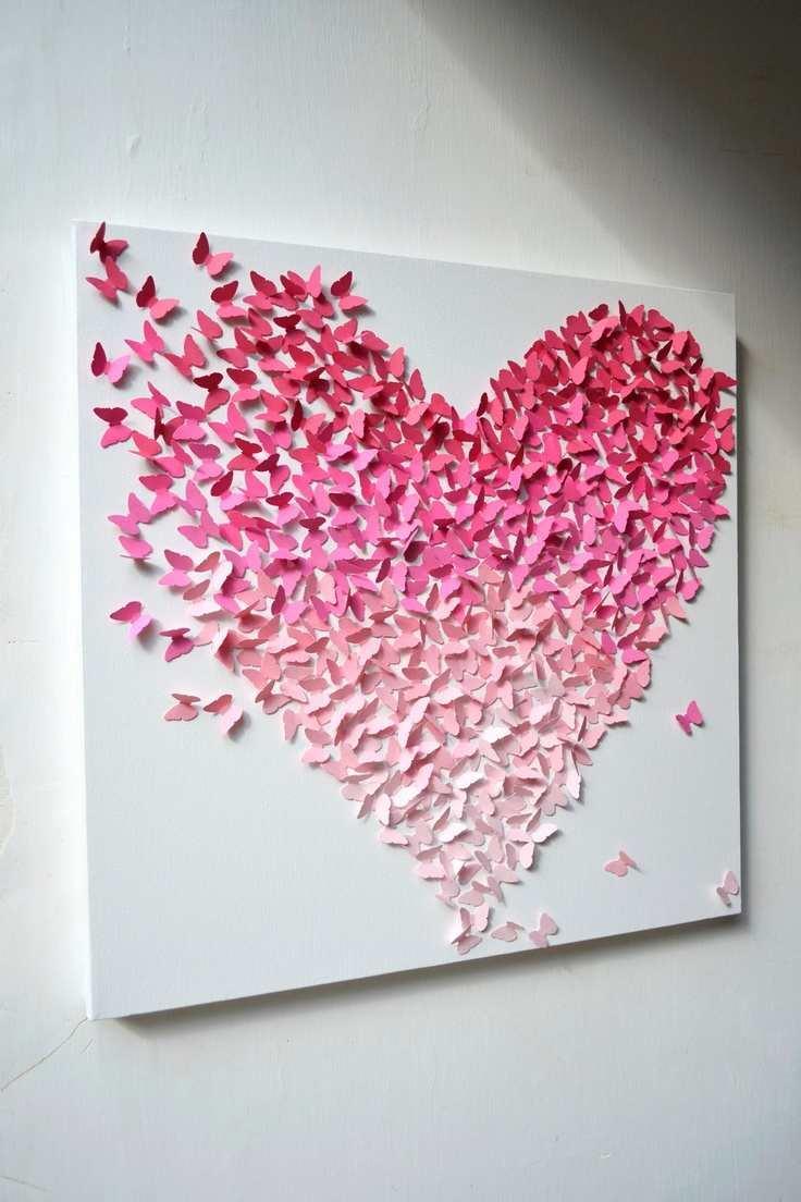 Огромной популярностью пользуются панно с изображениями сердца