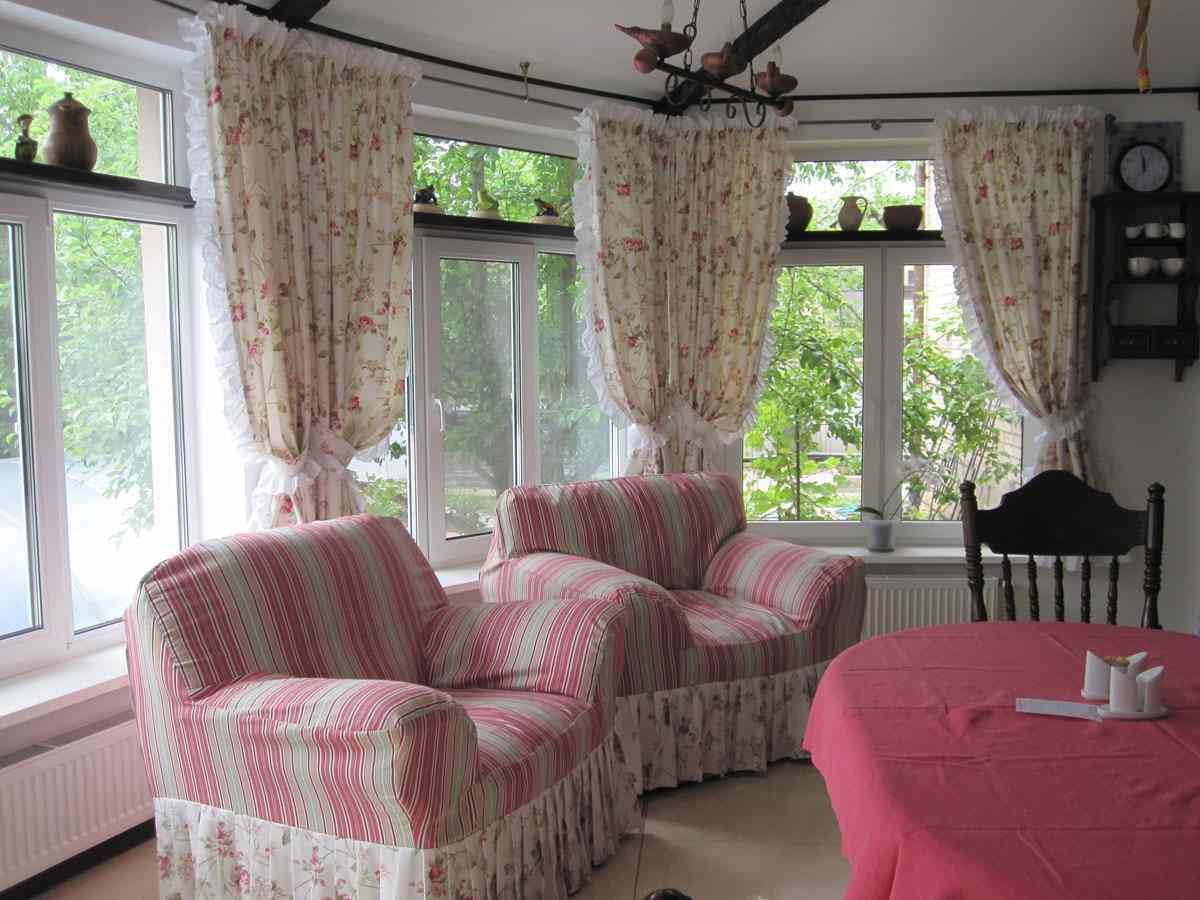 Шторы в стиле прованс создадут настоящую семейную и уютную атмосферу