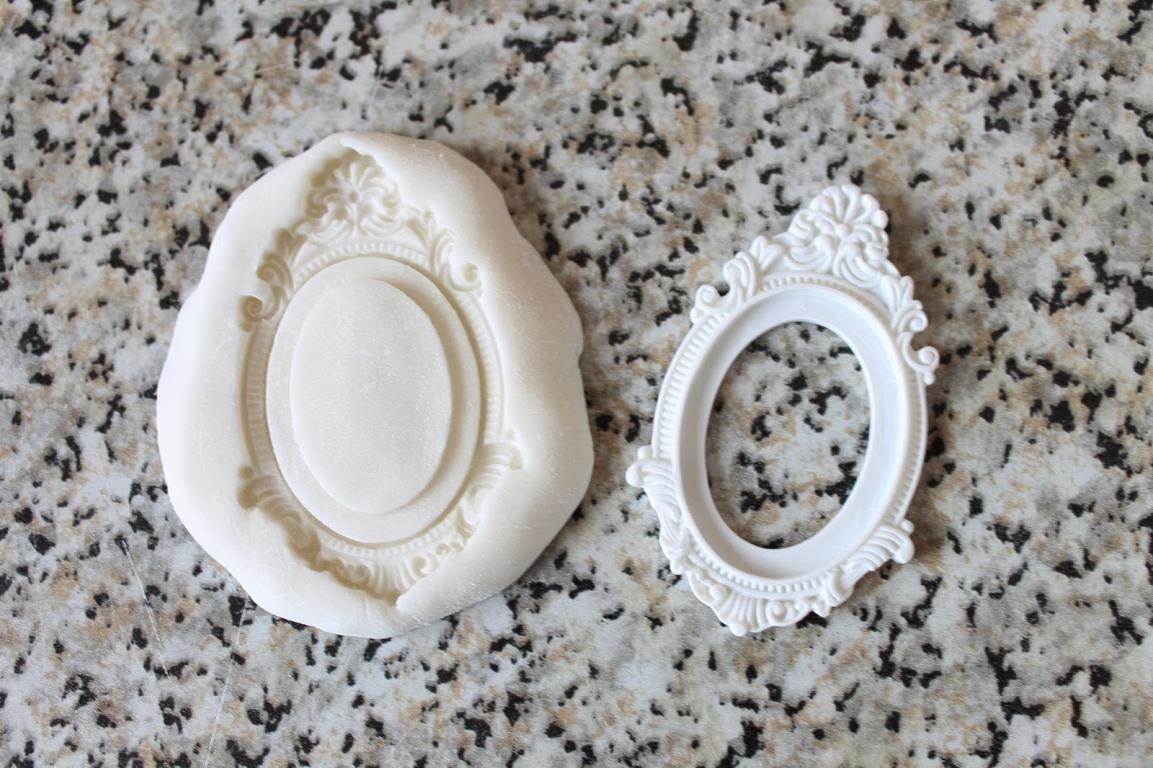 Популярным материалом, который используется для изготовления молдов, является силиконовый герметик