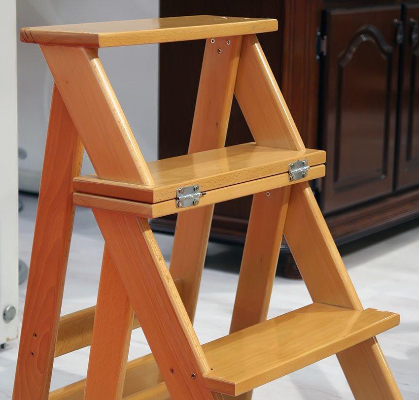 Если вы впервые решили изготовить лестницу-стремянку, тогда лучше обратить внимание на простые модели