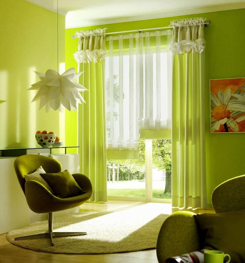 Для пошива штор на кухню лучше выбирать максимально практичные материалы