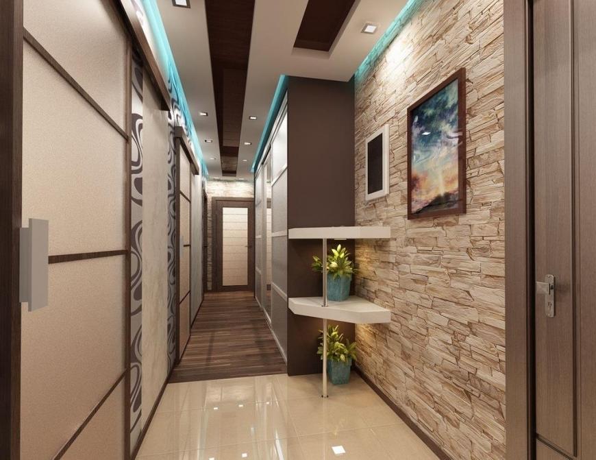При помощи гипсокартонной конструкции можно стильно украсить потолочную поверхность в узком коридоре
