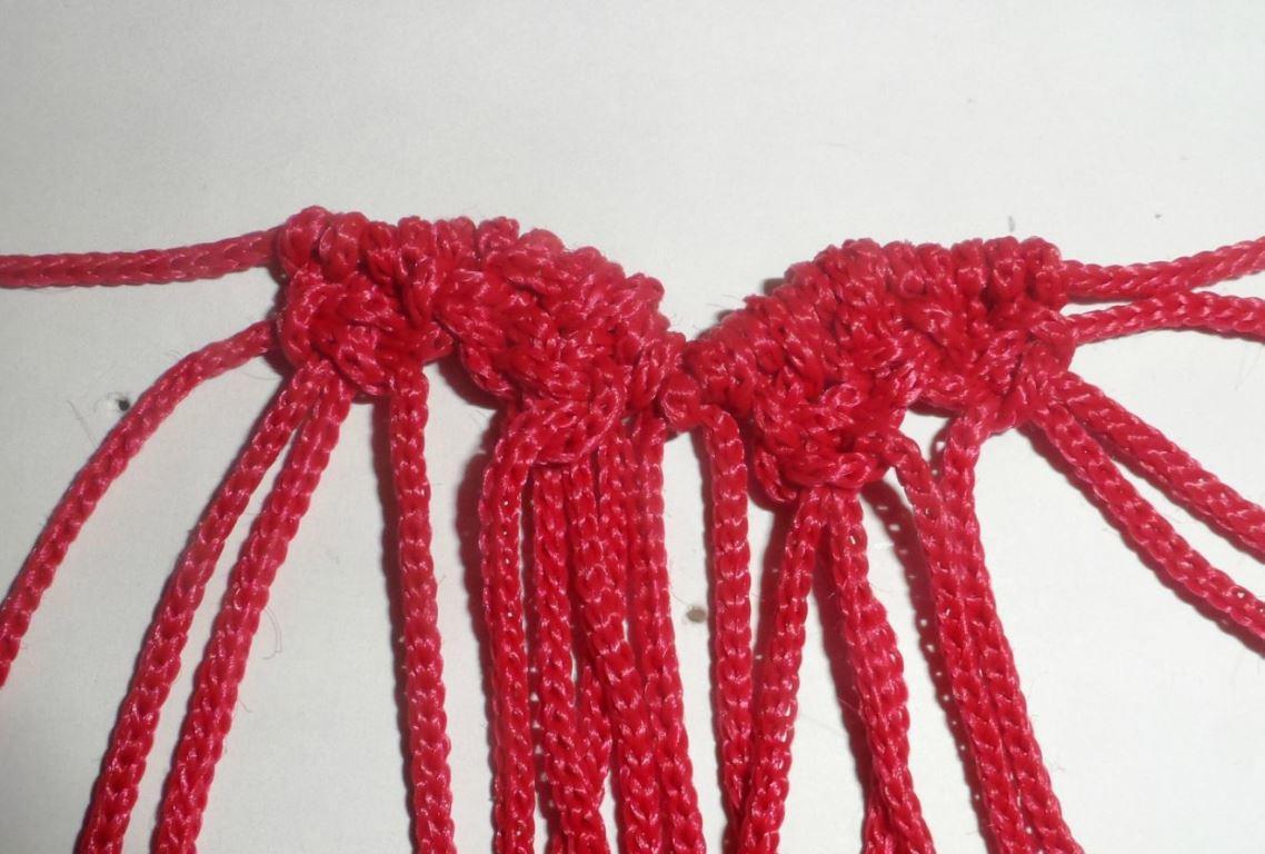 Создать красивое изделие можно при помощи репсовых узлов