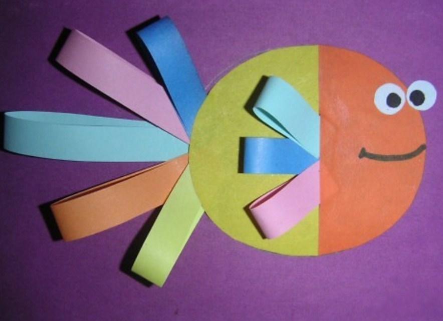 Аппликации из бумаги могут отличаться по форме, цвету и размеру