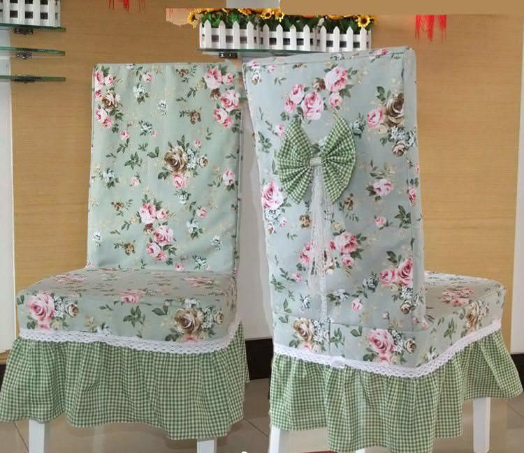 """Накидки на стулья делают кухню более """"домашней"""""""