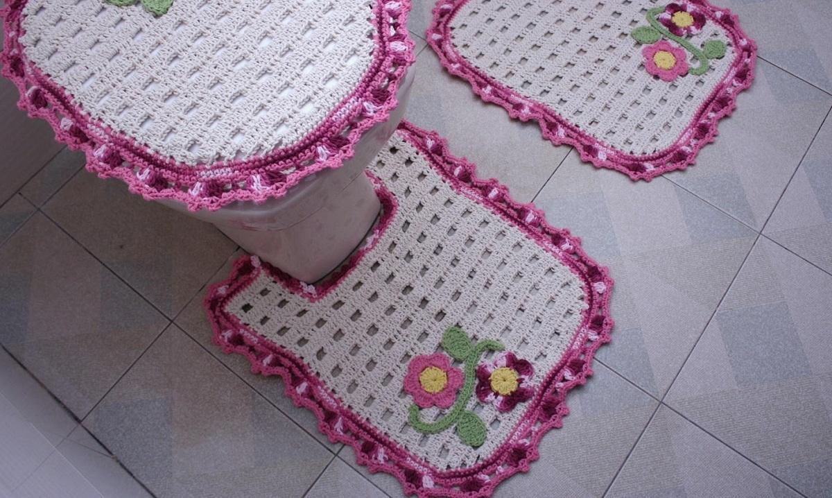 Все материалы для вязания коврика крючком можно купить в магазине для рукоделия