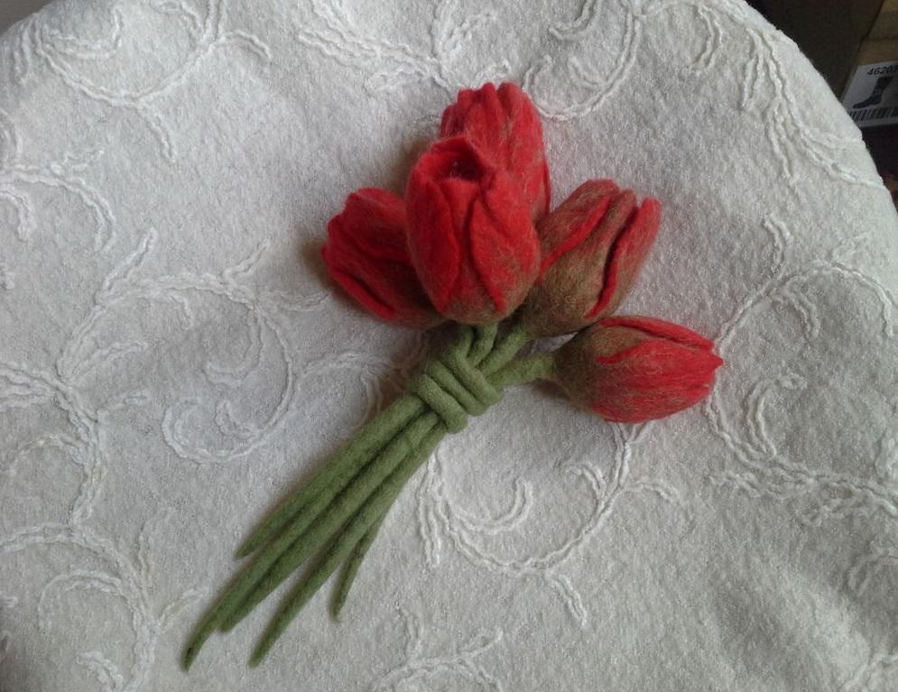 Валяние из шерсти цветов: видео и мастер-класс, мокрое и сухое валяние тюльпанов и роз на каркасе, картины