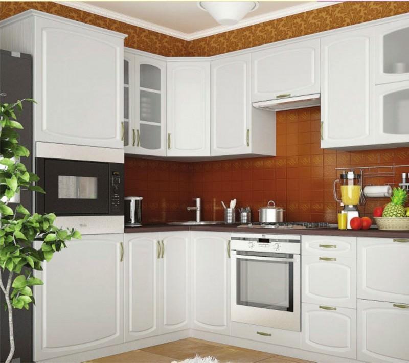 Г-образная модульная кухня позволяет очень эффектно зонировать помещение