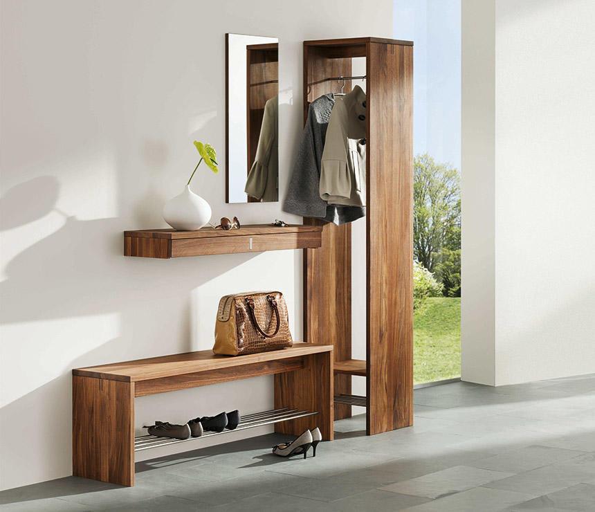 Прежде чем подобрать скамью для прихожей, необходимо продумать насколько она будет подходить под общий дизайн помещения