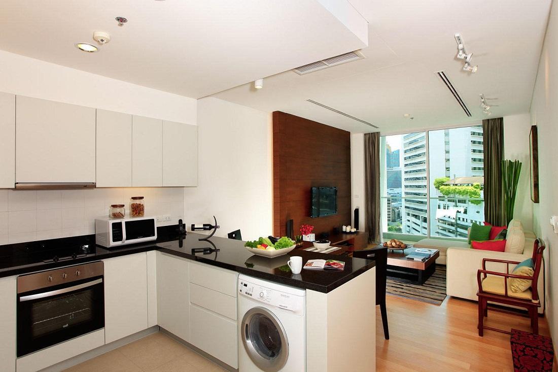 Для удобства каждую зону кухни-гостиной необходимо оснастить отдельным освещением