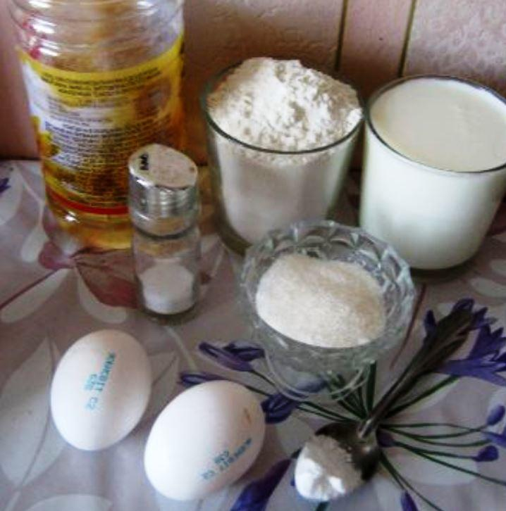 Заранее следует подготовить ингредиенты для приготовления оладушек