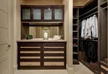44cf-walk-in-closet