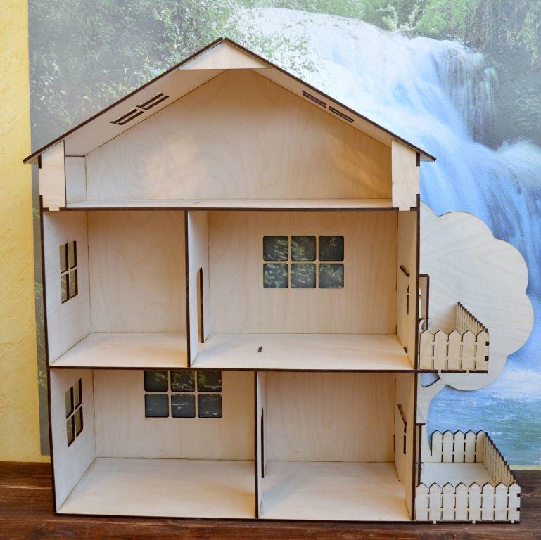 Достаточно прочным и надежным будет домик для кукол, который изготовлен из фанеры и дерева
