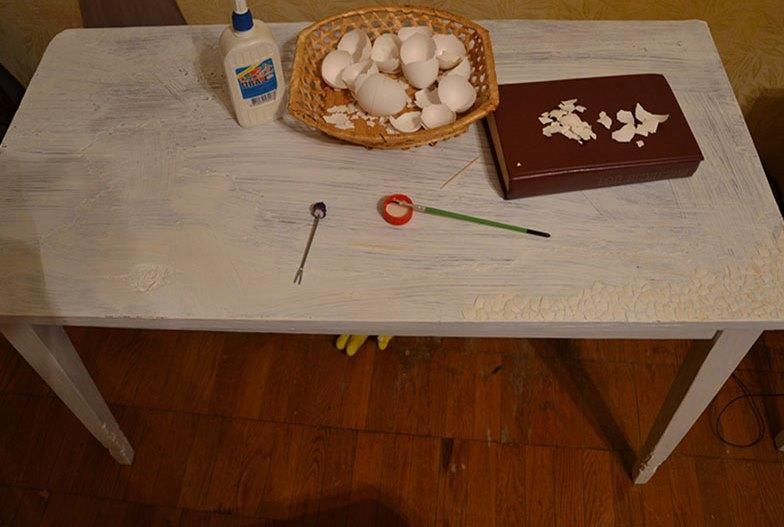 Дополнительно при декупаже кофейных жестяных банок можно использовать яичную скорлупу