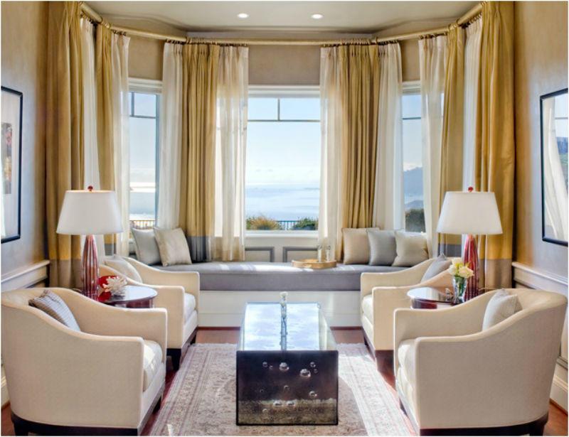 Эркер – это отличный вариант, который поможет сделать гостиную просторной и уютной