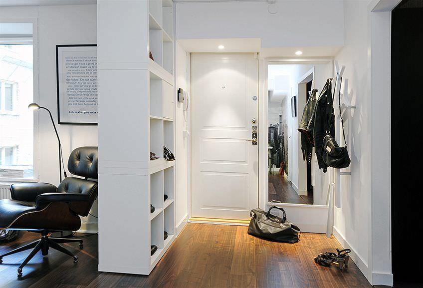 В интерьер прихожей прекрасно впишется мебельный гарнитур с матовой поверхностью