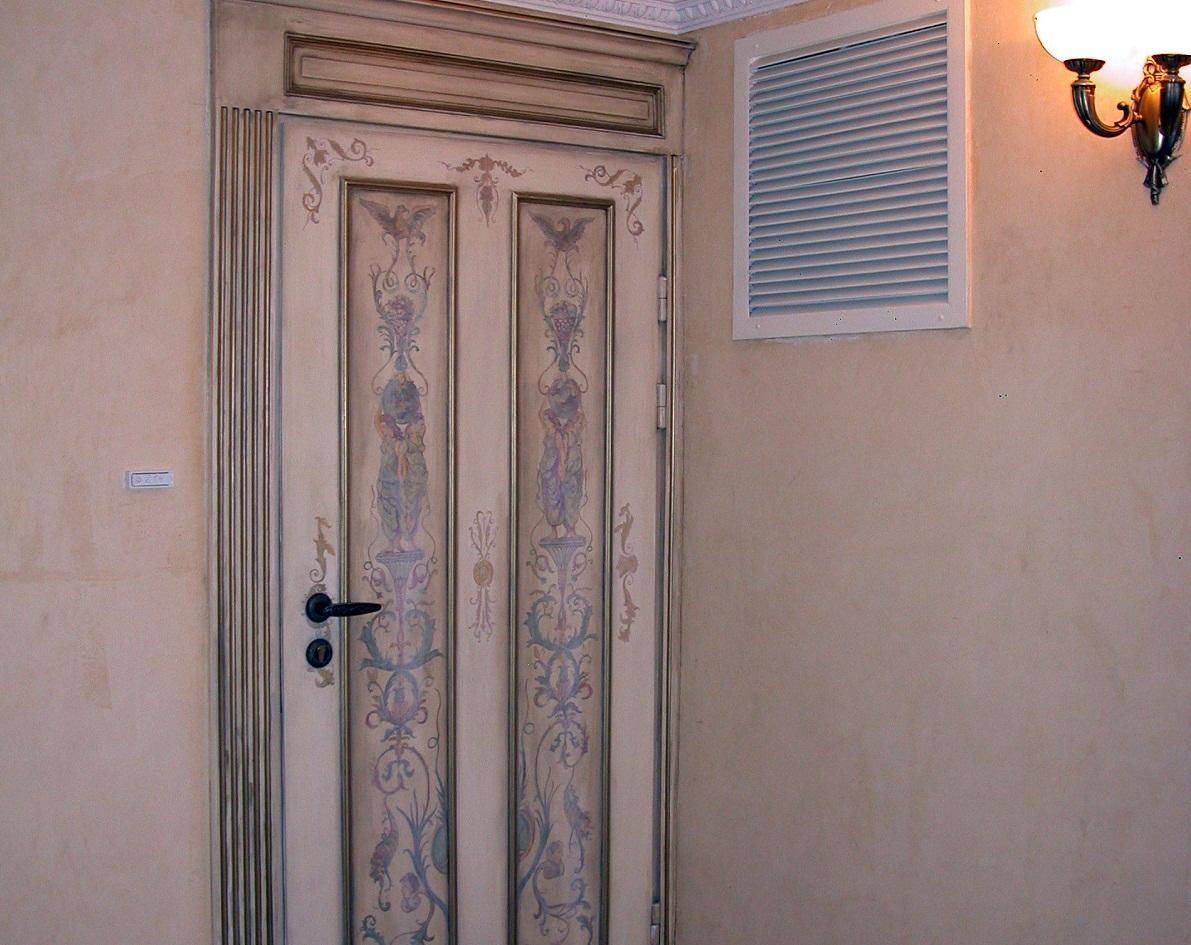 Для декупажа дверей следует выбирать изображение, которое гармонично впишется в интерьер по стилю и цвету