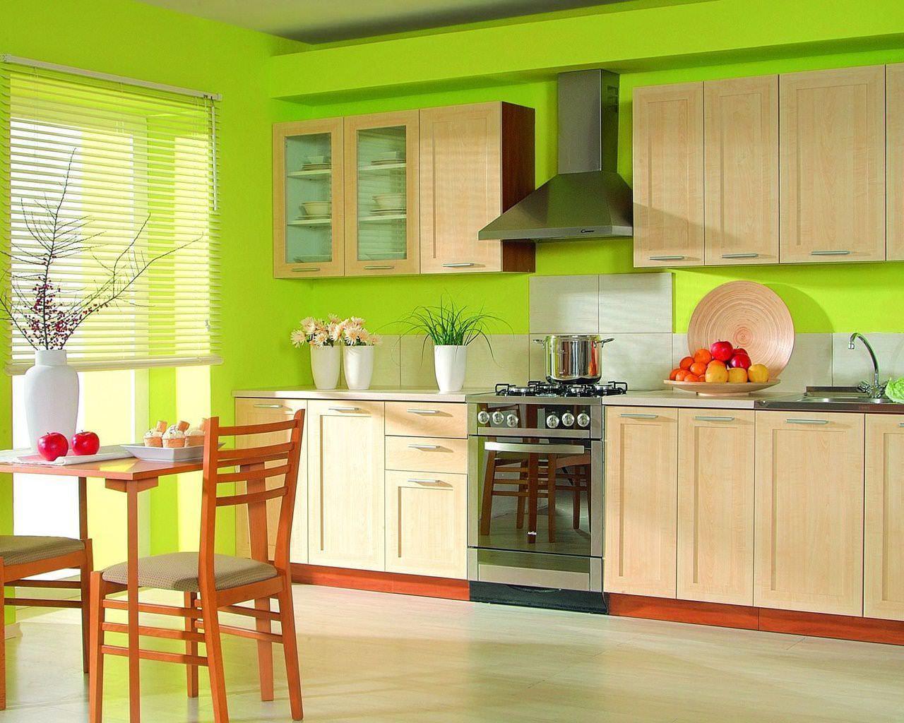 Сменив, к примеру, тип напольного покрытия можно в корне изменить впечатление от кухни