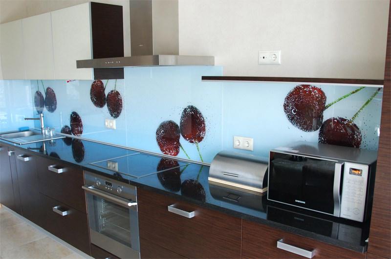 3D-рисунки на фартуке способны значительно оживить дизайн кухни