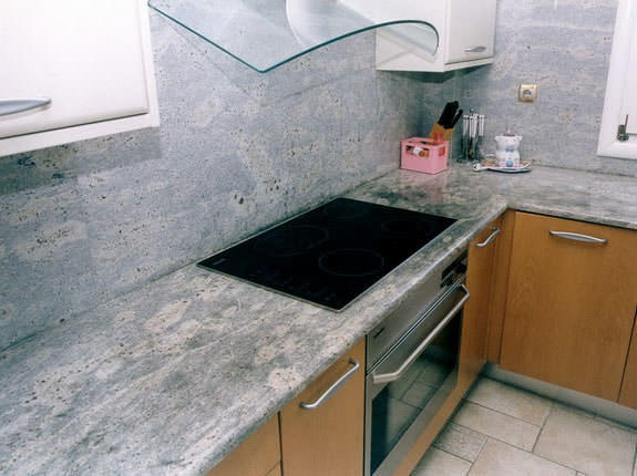 Для частного дома лучше всего подойдет панель из искусственного камня