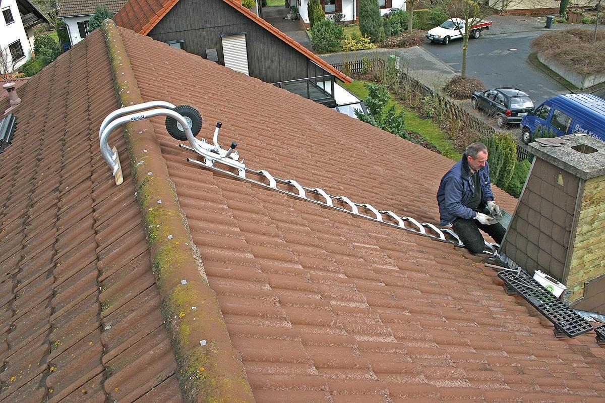 Среди преимуществ лестниц для крыши с крюком следует отметить безопасность и отличные эксплуатационные свойства