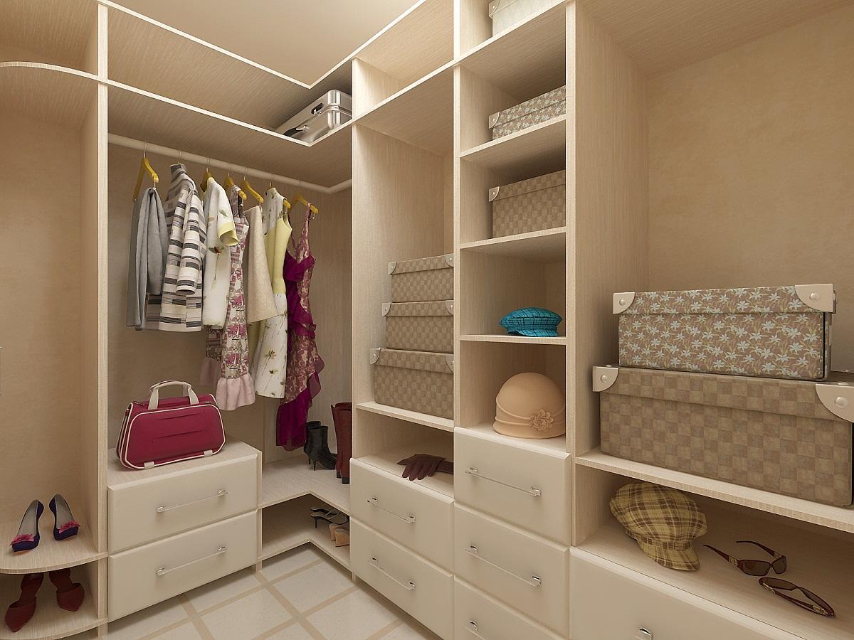 Если гардеробная комната маленькая, то при ее оформлении стоит применять светлые цвета